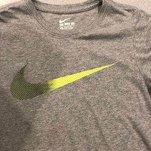 Boys Nike short sleeve shirt